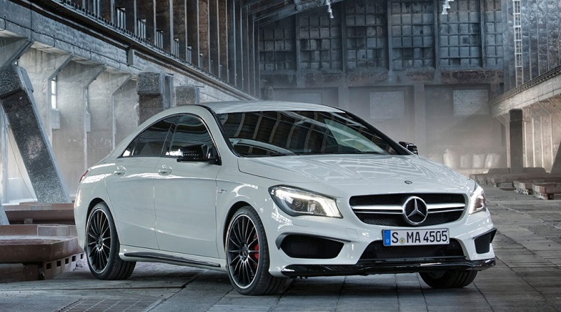 Xe-Mercedes-Benz-CLA-45-AMG-4MATIC-2014
