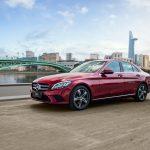 """Cận cảnh xe sang Mercedes-Benz C180 được """"bình dân hóa"""" đã được bán tại Việt Nam"""