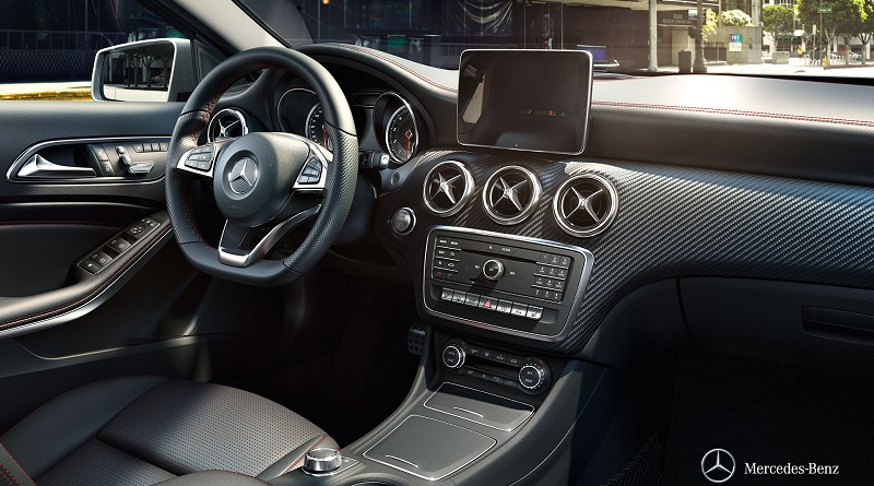 Mercedes-AMG-A45-4MATIC-noi-that